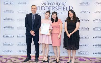 Nguyễn Thanh Huyền - Cô gái nhỏ bé dành học bổng 50% của University of Huddersfield