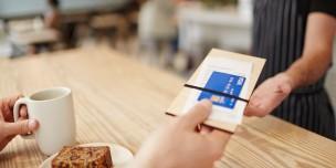Đi du học Mỹ sử dụng thẻ thanh toán nào?