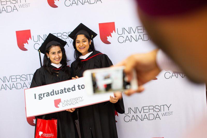 Du học Canada Đừng bỏ lỡ cơ hội nhận học bổng lên tới 18,900 CAD Bậc Đại học tại...