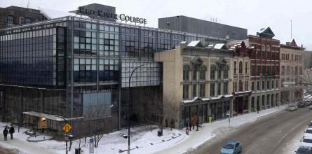 Phỏng vấn trực tiếp đại diện trường Red River College - Trường Cao đẳng nghiên cứu top 10 Canada