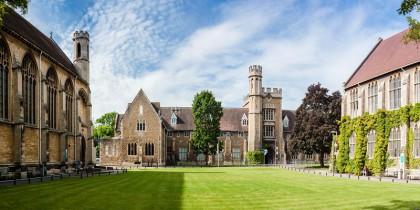 Cơ hội nhận học bổng lên tới 50% của trường Đại học Gloucestershire – rút ngắn ước mơ du học