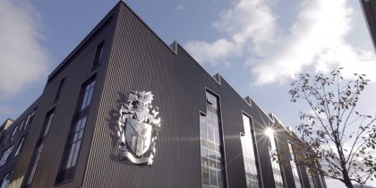 Du Học Anh không cần điểm IELTS _ Cardiff Metropolitan