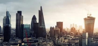 Tận hưởng nền giáo dục đẳng cấp thế giới với các khóa học kinh doanh và quản trị tại Vương quốc Anh