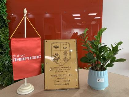 Nam Phong vinh dự là đối tác chiến lược nhận giải thưởng cao quí của hội đồng tuyển sinh trường NatMatSci - Trường Trung học chuyên dành cho học sinh vào TOP 1 Đại học trên thế giới