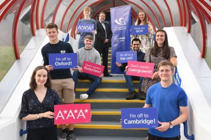 Lịch thi học bổng trung học UK 2021 -  Cơ hội học bổng lên đến 100%