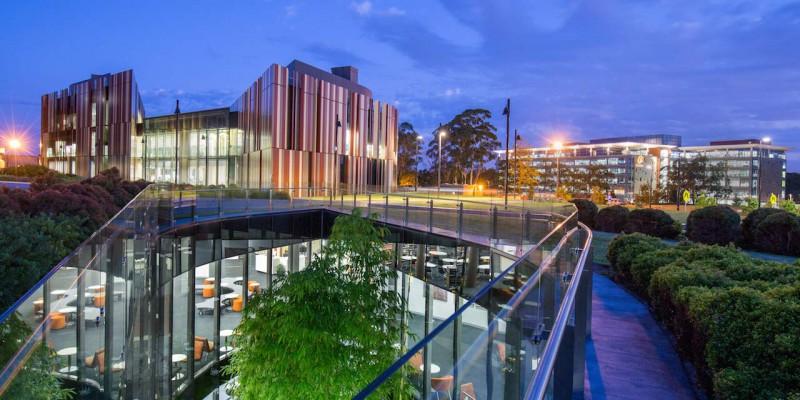 1 số Trường đào tạo về Logistics và quản trị tại Tp Sydney.